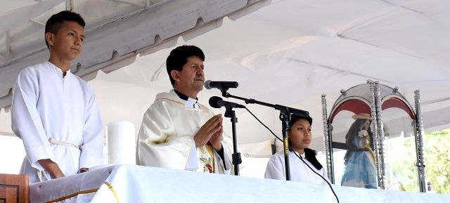 Catamayo recibe a la Churonita de El Cisne, acompañada de miles de feligreses