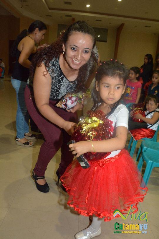 Centro Educativo Pettirosso celebra la Navidad (23)