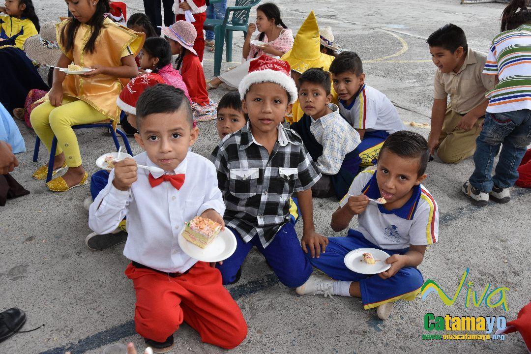 Feliz navidad 2016- Agazajo de Autoridades GADMC (33)