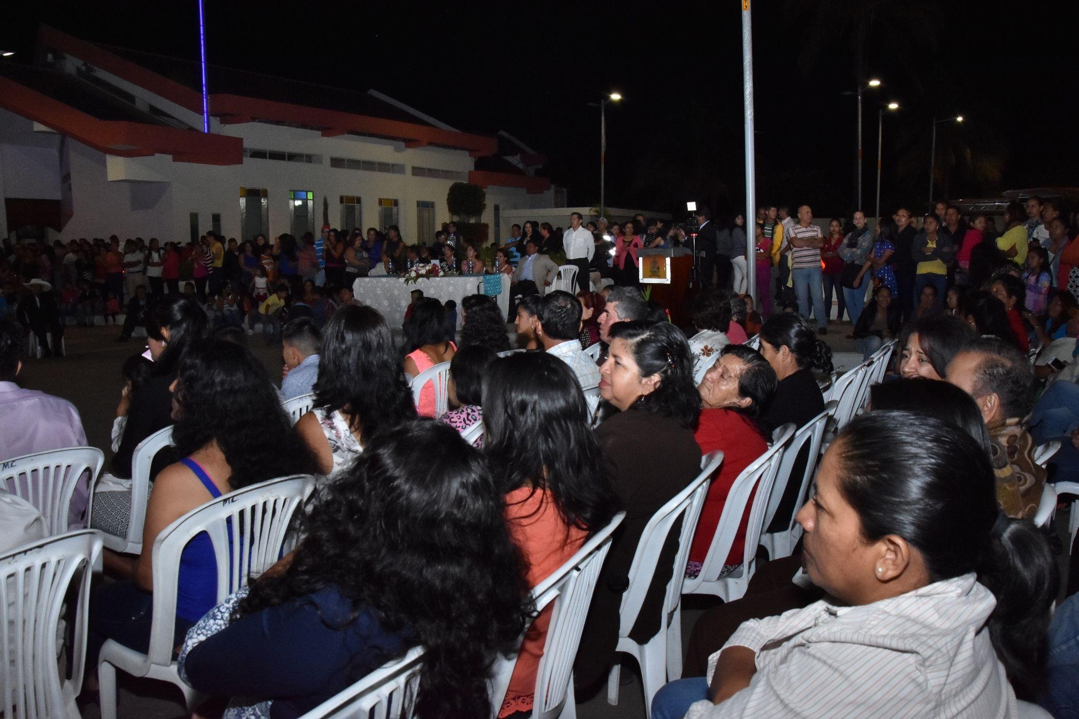 Primera etapa del parque en el Barrio La Vega (21)