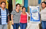 Entrega simbólica de materiales para fortalecer la producción en Catamayo