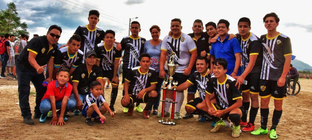 Club deportivo Futboleros es el actual campeón del campeonato de liga barrial Catamayo