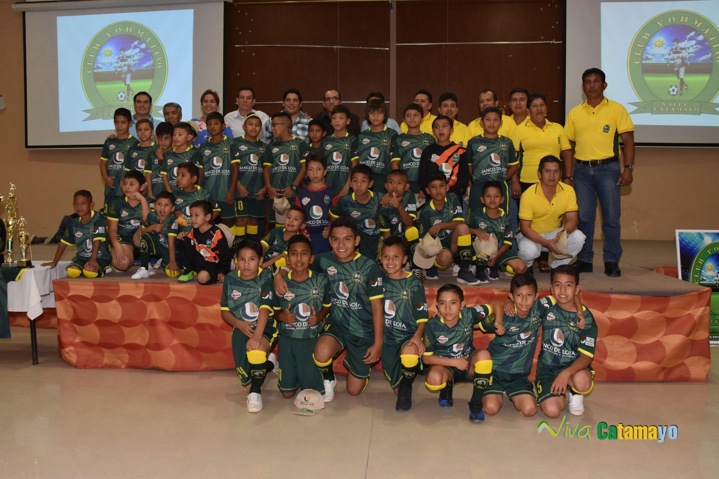 Firma de convenio interinstitucional para apoyo al fútbol formativo de Catamayo.