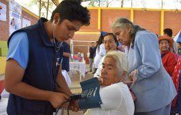 Personal de salud de La Tingue promociona servicios médicos
