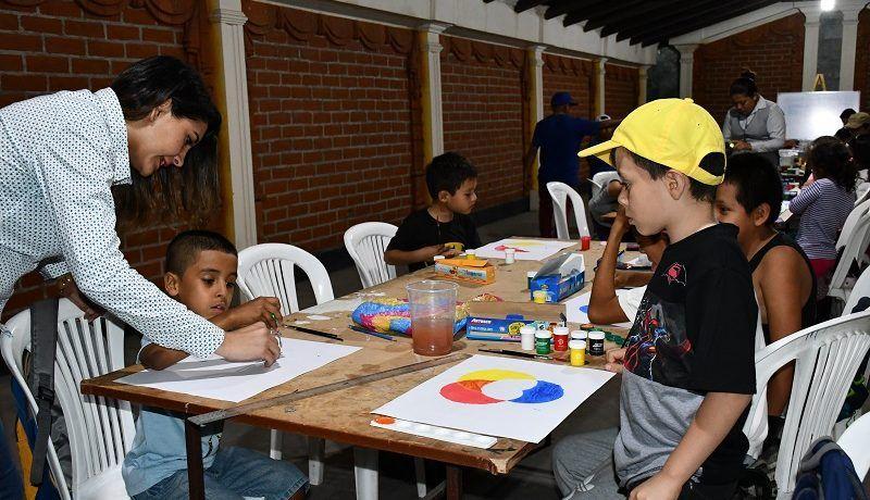 Talleres de dibujo y pintura con gran acogida en el museo de arte contemporáneo Manuel Serrano