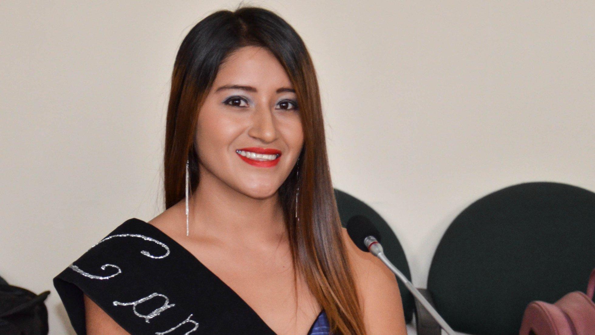 """Janeth Alexandra Calle Ruiz, tiene 18 años de edad y representante del Barrio """"Los Limos""""."""