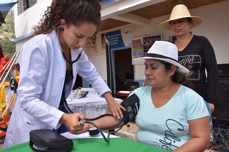 Promocionan servicios de salud en Olmedo
