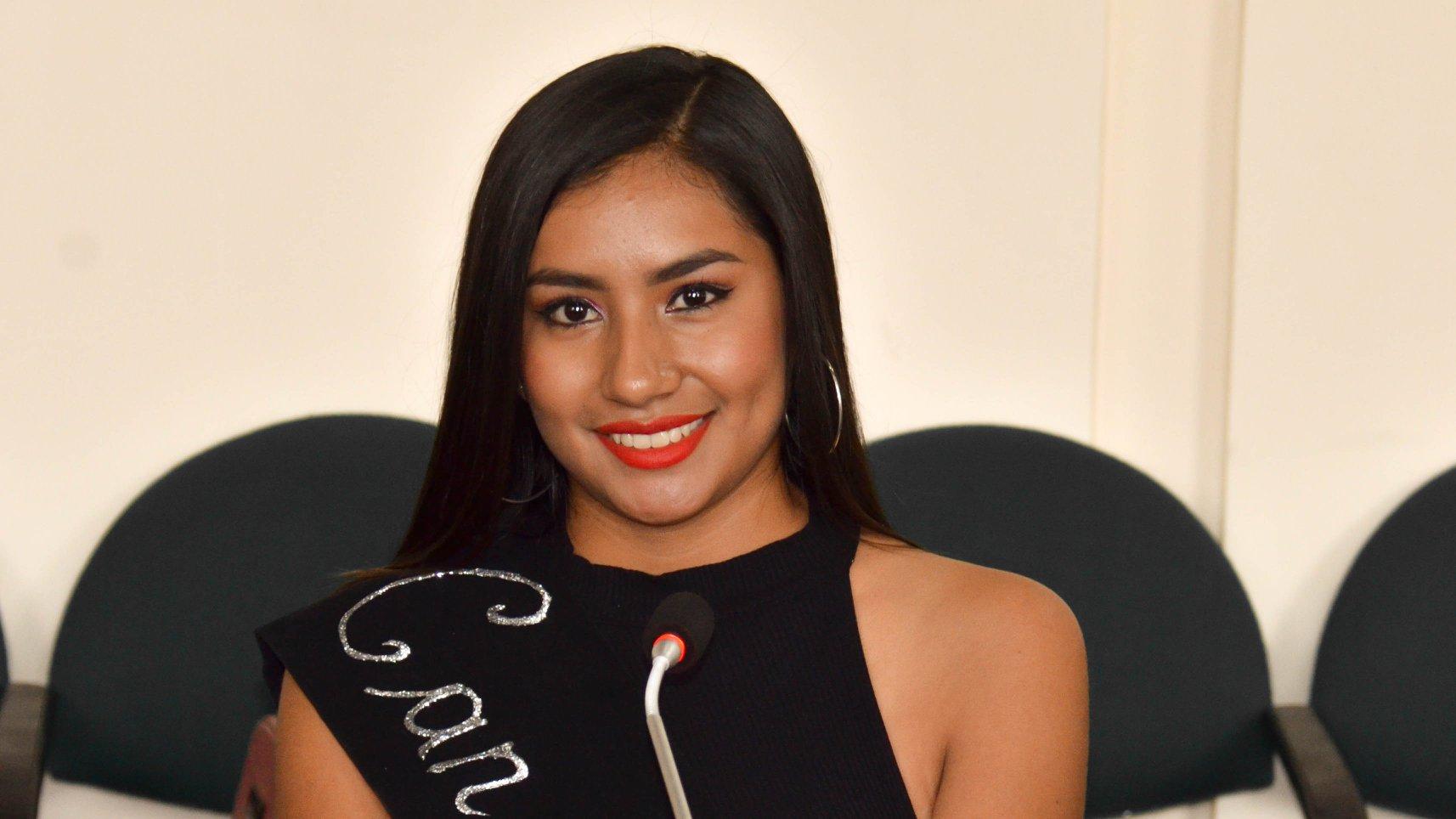 """Johana Vanessa Abrigo Ajila, tiene 19 años de edad representante de la cabecera parroquial """"El Tambo"""""""