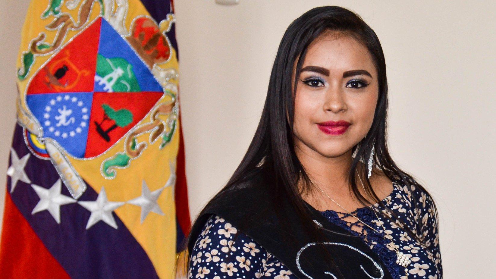 """Karen Nicol González Benítez, tiene 18 años de edad y representante del Barrio """"La Extensa """""""